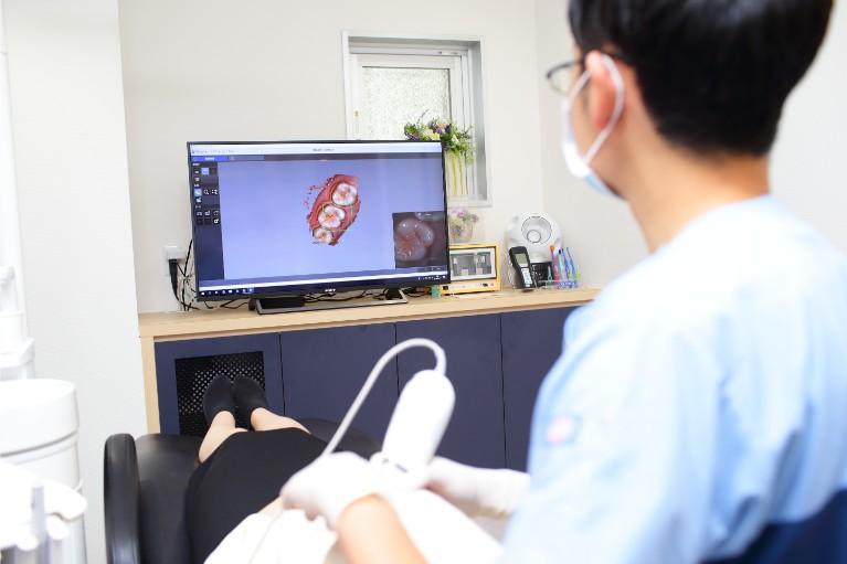口腔内3Dカメラ(トロフィー3DI プロα)